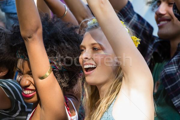 Gruppo femminile amici festival di musica parco Foto d'archivio © wavebreak_media