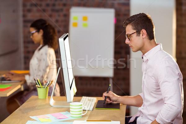 Działalności wykonawczej graficzne tabletka biuro komputera Zdjęcia stock © wavebreak_media