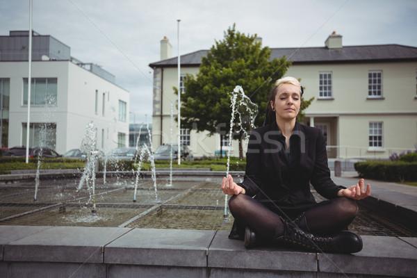 Empresária ioga escritório escola mulher Foto stock © wavebreak_media