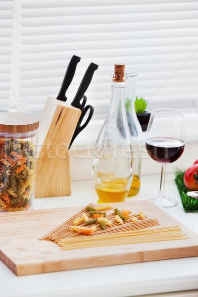 Preparação refeição cozinha beber Óleo Foto stock © wavebreak_media