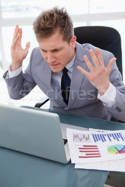 Biznesmen wściekły nie pracy laptop działalności Zdjęcia stock © wavebreak_media