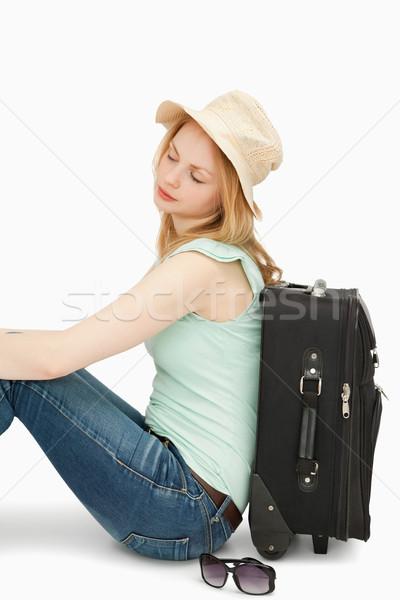женщину сидят чемодан белый женщины Солнцезащитные очки Сток-фото © wavebreak_media