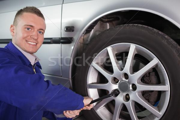 Mechanik klucz garaż samochodu usługi Zdjęcia stock © wavebreak_media