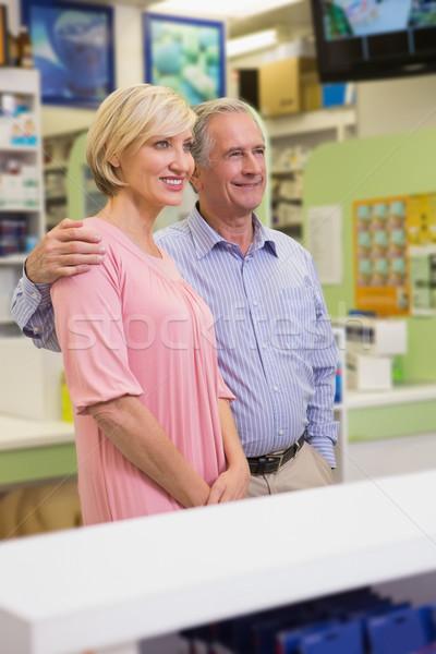 肖像 笑みを浮かべて カップル 立って 一緒に 薬局 ストックフォト © wavebreak_media