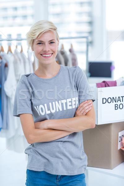 Női önkéntes keresztbe tett kar portré nő segítség Stock fotó © wavebreak_media