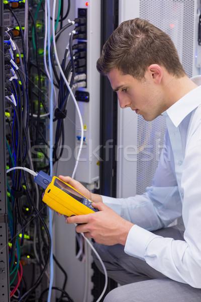 Grave técnico digital cable servidor grande Foto stock © wavebreak_media