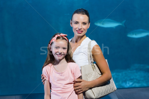 Boldog anya lánygyermek tank akvárium hal Stock fotó © wavebreak_media