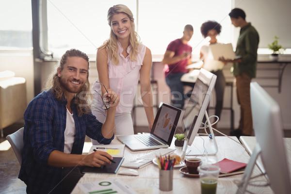 Portret glimlachend business collega's creatieve Stockfoto © wavebreak_media