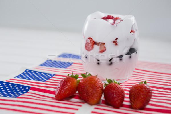 Frutas helado cuarto mesa de madera vidrio mesa Foto stock © wavebreak_media