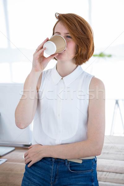 улыбаясь деловой женщины питьевой кофе служба Сток-фото © wavebreak_media