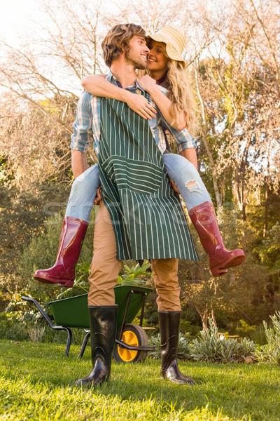 Namorado de volta namorada jardim homem Foto stock © wavebreak_media