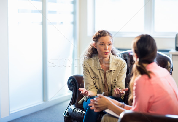 психолог пациент служба женщину Дать блокнот Сток-фото © wavebreak_media
