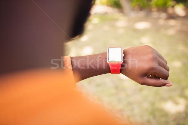 フォーカス 時計 だけ 手 公園 草 ストックフォト © wavebreak_media