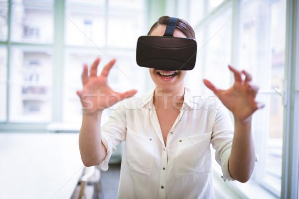 улыбаясь женщины графических дизайнера виртуальный реальность Сток-фото © wavebreak_media