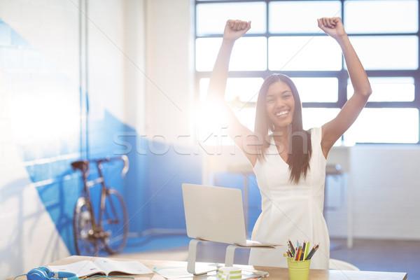 Negócio executivo excitação trabalhando laptop Foto stock © wavebreak_media