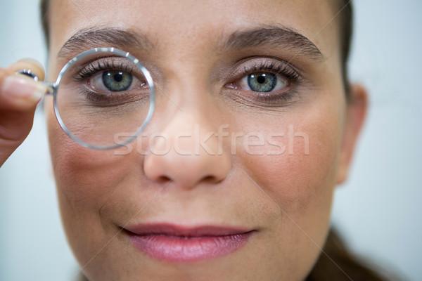 Női optometrikus néz nagyító szemészet klinika Stock fotó © wavebreak_media