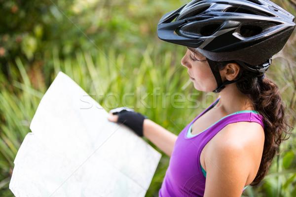 女性 サイクリスト 見える 地図 休暇 ストックフォト © wavebreak_media