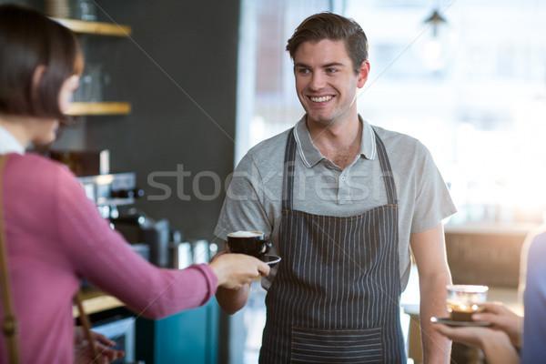 Cameriere Cup caffè cliente counter Foto d'archivio © wavebreak_media