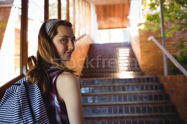 Retrato colegiala pie escalera escuela nina Foto stock © wavebreak_media
