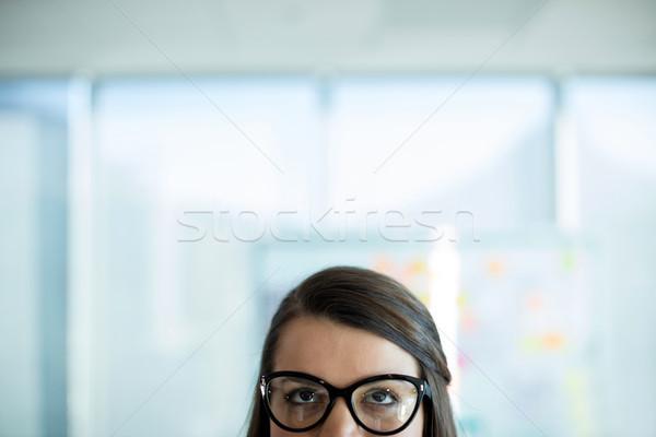 Mulher óculos negócio escritório janela executivo Foto stock © wavebreak_media