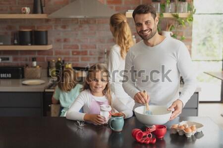 Portré boldog testvérek eszik kekszek konyha Stock fotó © wavebreak_media