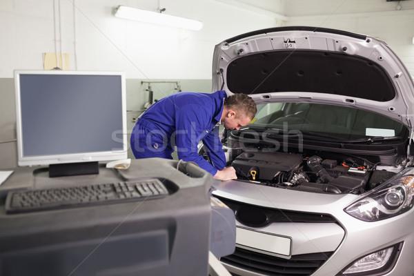 Mechanik silnika samochodu garaż metal Zdjęcia stock © wavebreak_media