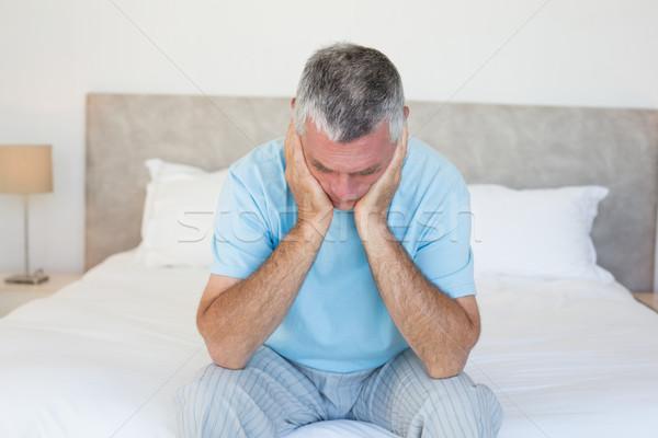 üzücü kıdemli adam yatak kafa eller Stok fotoğraf © wavebreak_media