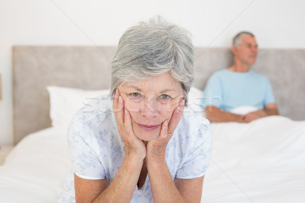 Triste senior mulher marido cama retrato Foto stock © wavebreak_media