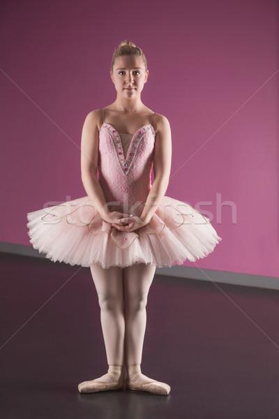 Kecses ballerina áll első pozició balett Stock fotó © wavebreak_media