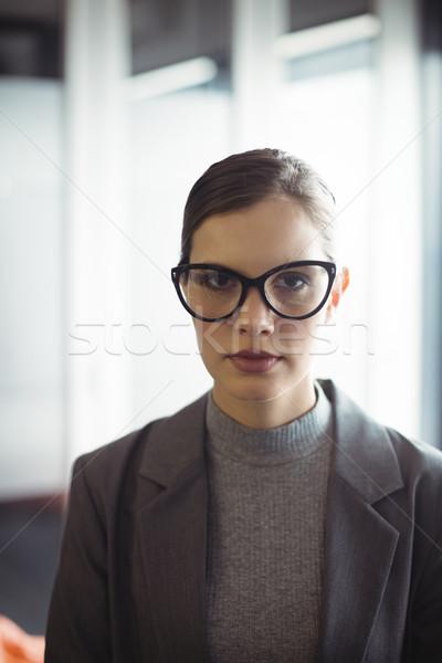 Conselheiro óculos escritório retrato negócio mulher Foto stock © wavebreak_media