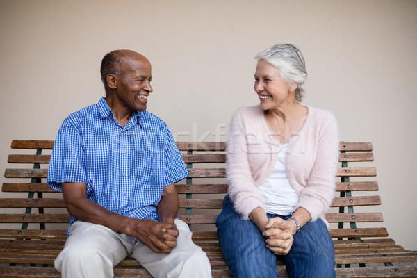 Glimlachend senior man vrouw naar ander Stockfoto © wavebreak_media