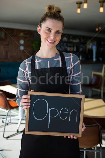 портрет официантка кафе компьютер Сток-фото © wavebreak_media