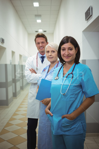 портрет женщины хирург врачи Постоянный коридор Сток-фото © wavebreak_media