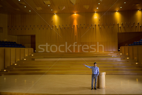 Business Executive Rede Mann Sitzung Geschäftsmann Stock foto © wavebreak_media