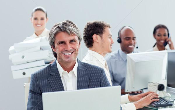 презентация честолюбивый бизнес-команды рабочих компьютер телефон Сток-фото © wavebreak_media