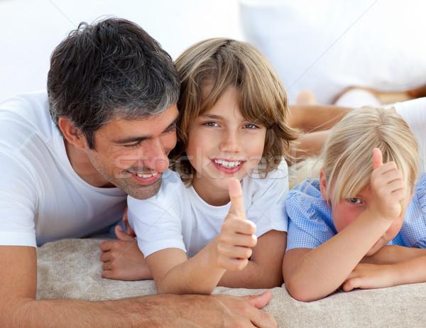 Affettuoso padre bambini famiglia ragazza Foto d'archivio © wavebreak_media