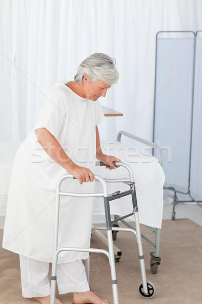 Senior vrouw frame model triest vrouwelijke Stockfoto © wavebreak_media