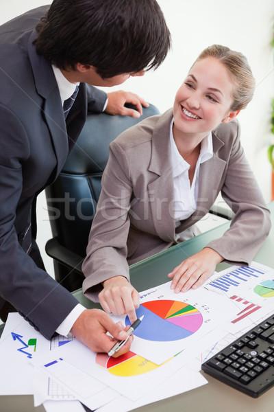 肖像 小さな ビジネスチーム 勉強 統計 会議室 ストックフォト © wavebreak_media