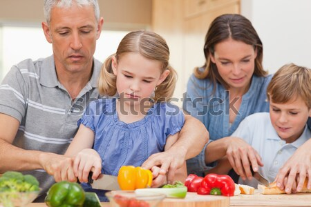 Сток-фото: очаровательный · семьи · приготовления · вместе · кухне · здоровья