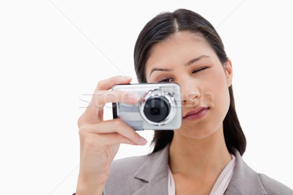 女性 カメラ 白 技術 背景 デジタル ストックフォト © wavebreak_media