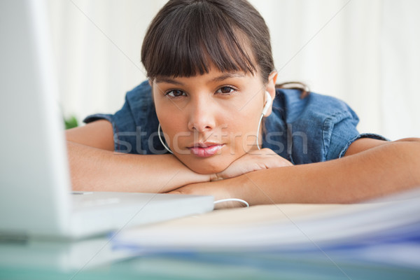 Portret moe student bureau laptop Stockfoto © wavebreak_media