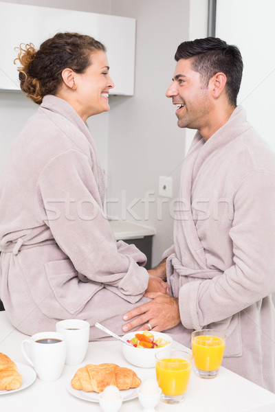 Heureux couple déjeuner ensemble maison cuisine Photo stock © wavebreak_media