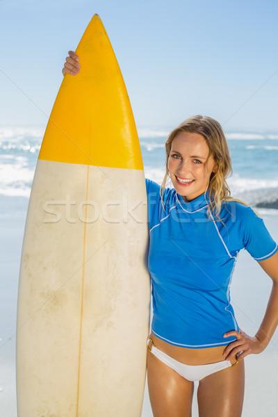 Szőke nő boldog szörfös tart tábla tengerpart Stock fotó © wavebreak_media