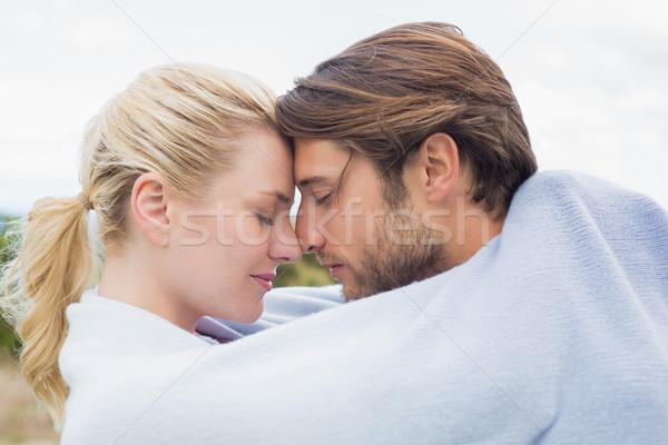 Cute hartelijk paar permanente buiten deken Stockfoto © wavebreak_media