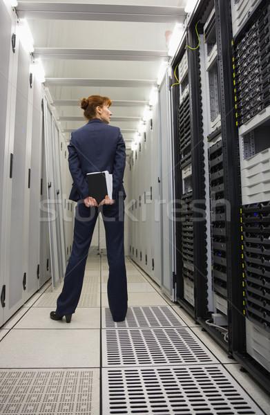 Techniker stehen Server Flur groß Rechenzentrum Stock foto © wavebreak_media