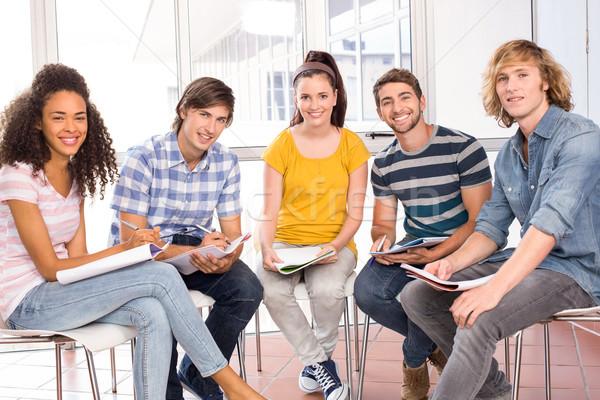 Főiskola diákok házi feladat csoport könyv könyvek Stock fotó © wavebreak_media