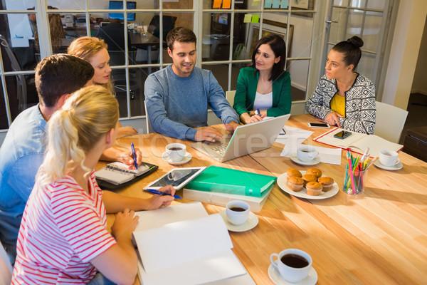 同僚 ラップトップを使用して オフィス グループ 小さな コンピュータ ストックフォト © wavebreak_media