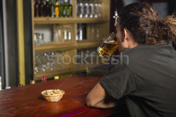 Férfi bögre sör pult bár ital Stock fotó © wavebreak_media