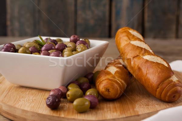 Oliwek pojemnik chleba deska do krojenia wina owoców Zdjęcia stock © wavebreak_media