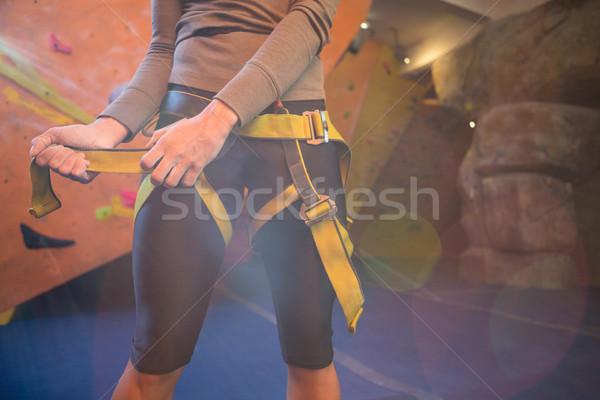 Stock fotó: Középső · rész · nő · visel · biztonság · fitnessz · stúdió